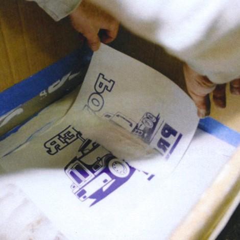 Polvo adhesivo para la impresión transfer serigráfica
